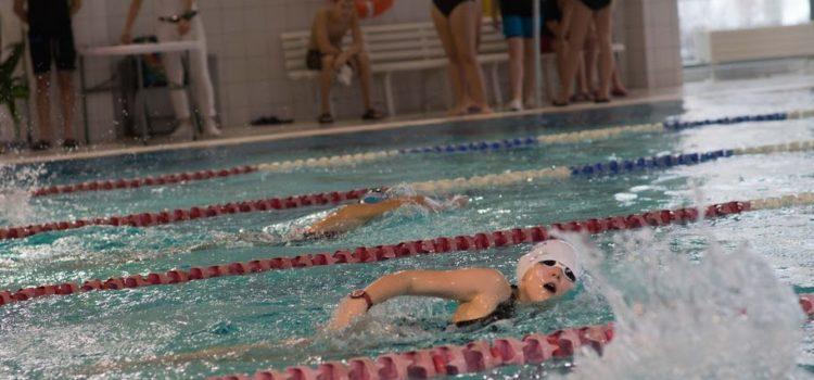Rekordy życiowe nazakończenie Nakielskiej Ligi Pływania XII.2018r. | Wyniki, galeria istarty zawodników (wideo)